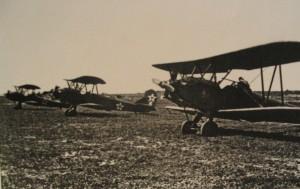 Sovětská letadla PO-2 Kukuruznik v Chrudimi po osvobození města